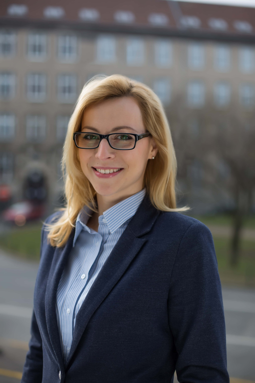 Dr. Tóth Eszter